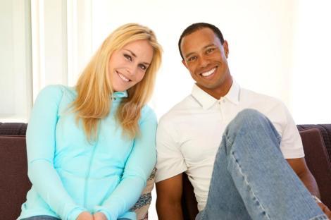 Lindsey Vonn e Tiger Woods in posa in una delle foto pubblicate dal golfista su internet