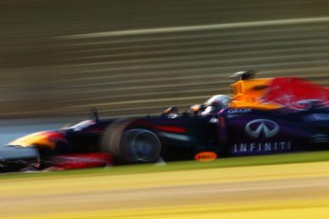 La Red Bull guidata da Sebastian Vettel durante le prove libere del GP di Australia di Formula 1, sul circuito dell'Abert Park (Photo Robert Cianflone/Getty Images)