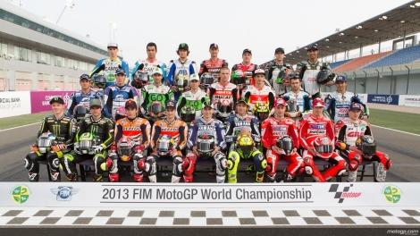 La foto ufficiale dei piloti iscritti alla MotoGP 2013 (Photo motoblog.it)