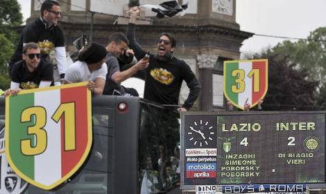 5 maggio 2002-5 maggio 2013: la Juventus festeggia ancora una volta uno scudetto (foto 2013 LaPresse)