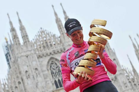 Ryder Hesjedal festeggia la vittoria del Giro d'Italia 2012, riuscirà a ripertersi?
