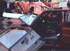 La Golf di Petrovic, completamente distrutta dopo l'incidente mortale del 7 giugno 1993 (Photo drazenpetrovic.com)
