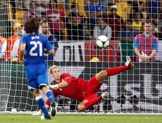 Pirlo e il suo cucchiaio all'Inghilterra agli Europei dello scorso anno. E l'Italia vola in semifinale.