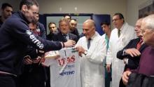 Jack regala la sua maglia al prof. Falini