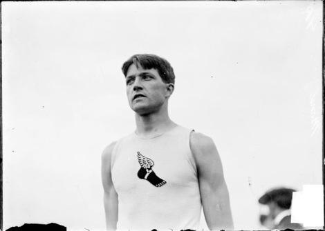 Un mezzo busto di Ray Ewry durante i Giochi Olimpici di S. Louis nel 1904 (foto Chicago Historical Society ©)